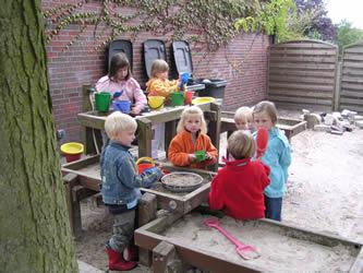 Klettergerüst Kindergarten : Kindergarten